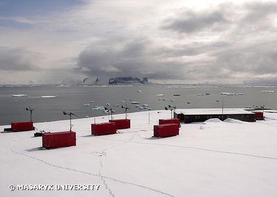 Výzkumná stanice Johana Gregora Mendela na severním pobřeží ostrova Jamese Rosse